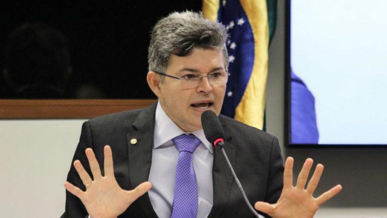 Medeiros confirma que Podemos irá pedir impeachment de Mauro Mendes