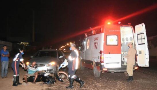 Samu prestando atendimento a vítima – Messias Filho/ AGORA MT