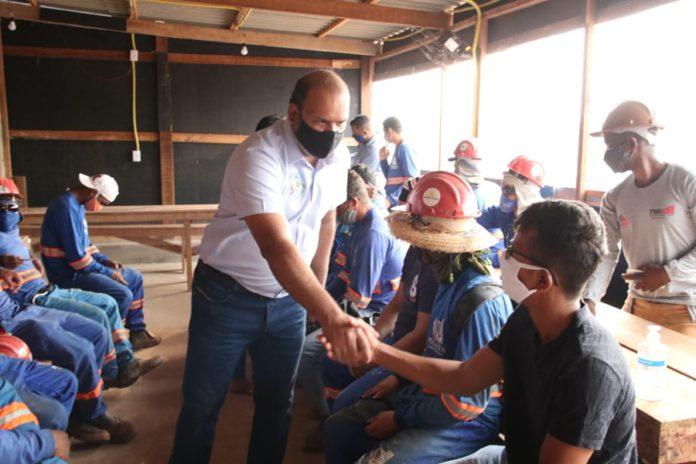 """""""A união de todos é o caminho para superar a crise, gerando empregos que vão dar mais dignidade aos trabalhadores"""", afirmou o candidato Thiago Muniz – Foto Assessoria"""