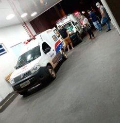 Vídeo mostra fila de ambulâncias em hospital de VG e comprova caos pandêmico
