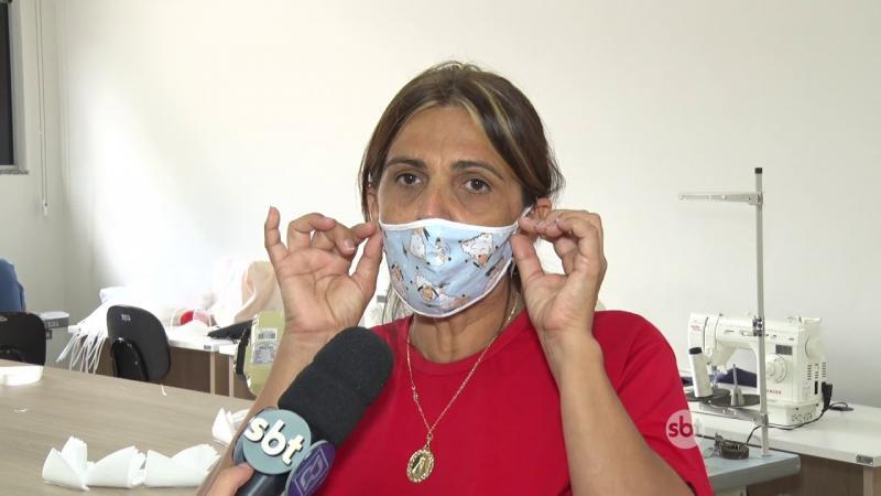 COLABORADORES DA PREFEITURA PRODUZEM MÁSCARAS E JALECOS PARA O HOSPITAL DE NOVA MUTUM